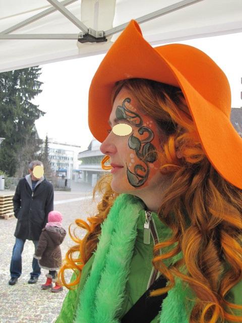 Vereine organisieren in der Schweiz eine grosse Anzahl an Aktivitäten, Kinderschminken auch.